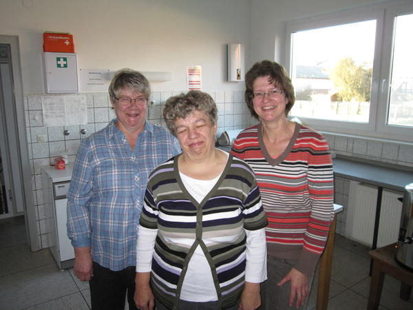 Helferinnen in Warzenbach Ellen Dersch, Karin Dersch und Irmgard Lölkes